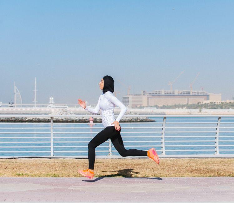 7 Tips Agar Rambut Bebas dari Rontok Walau Pakai Hijab! - Excercise