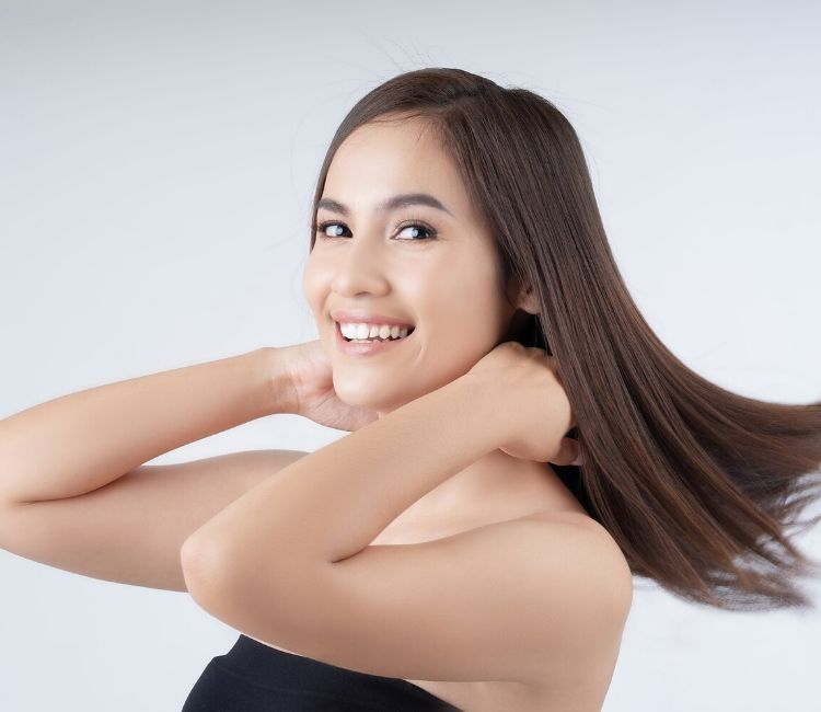 5 Cara Mengatasi Rambut Kering Tanpa Harus Ke Salon!