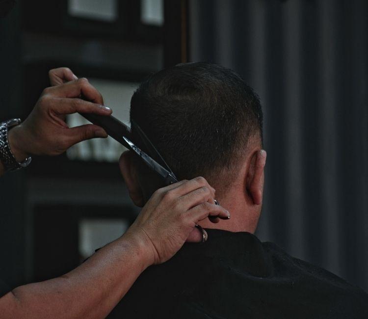 10 Style Rambut Cowok 2020-2021