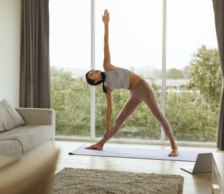 6 Kebiasaan yang Bikin Kulit Wajah Terlihat Lebih Tua - Stress