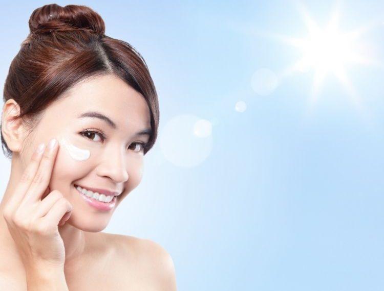 Mau Glowing? Jangan Lupa Facial Wash-nya Harus Bikin Glowing Juga!