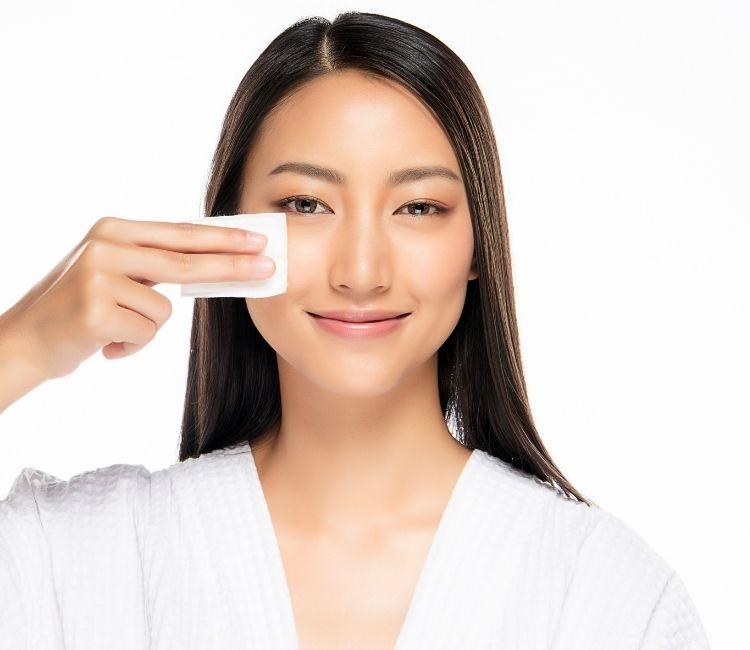 Basmi Jerawat Sampai Tuntas dengan 5 Skincare Lokal Ini!