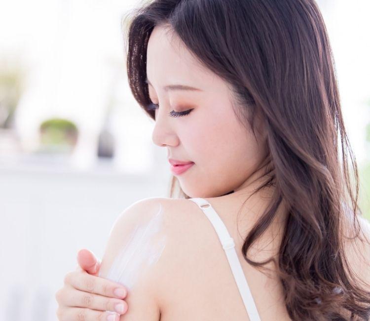 Rajin Gunakan Handbody & Body Scrub Biar Gebetan Auto Naksir, Begini 5 Manfaatnya