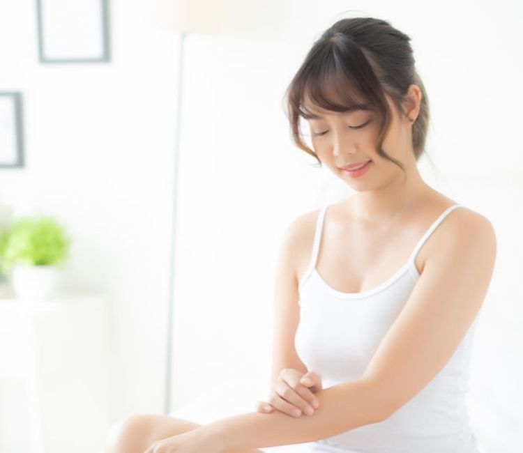 Begini 6 Cara Wajib Agar Kulit Tubuh Tetap Lembap dan Sehat Saat New Normal